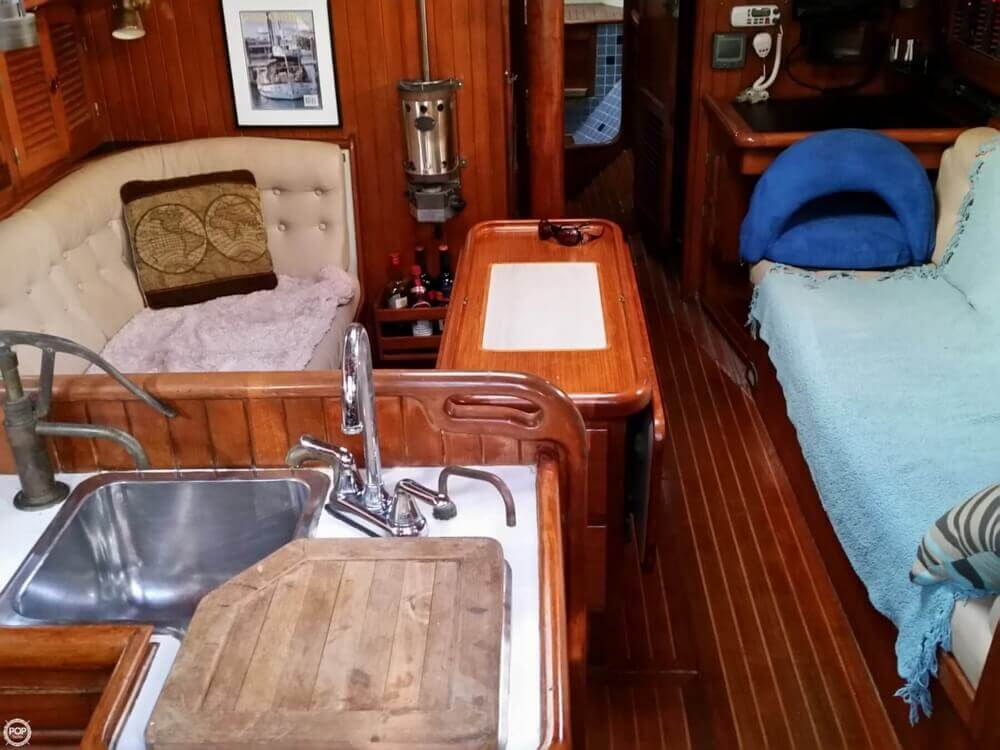 1986 Lord Nelson 35 Cutter - Photo #2