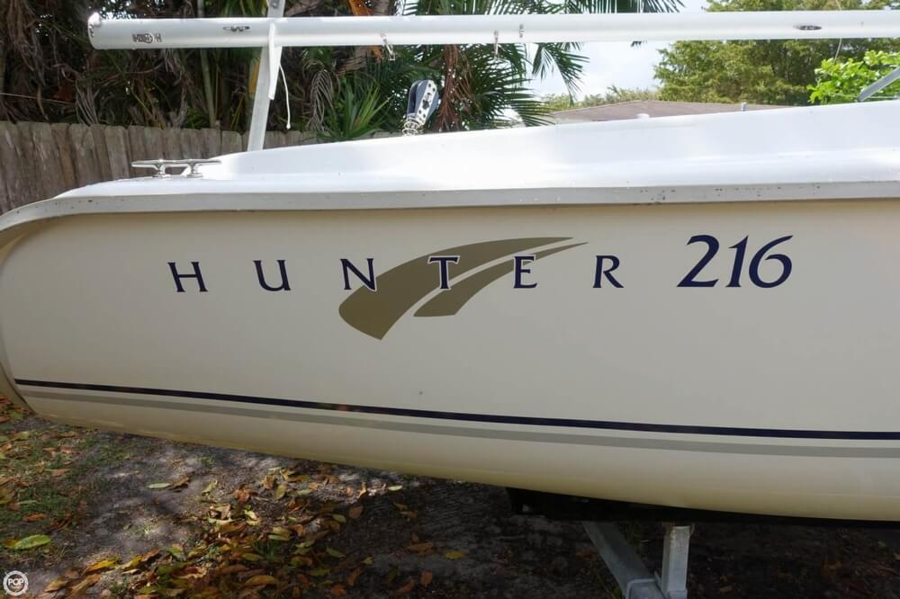 2009 Hunter 216 - Photo #3