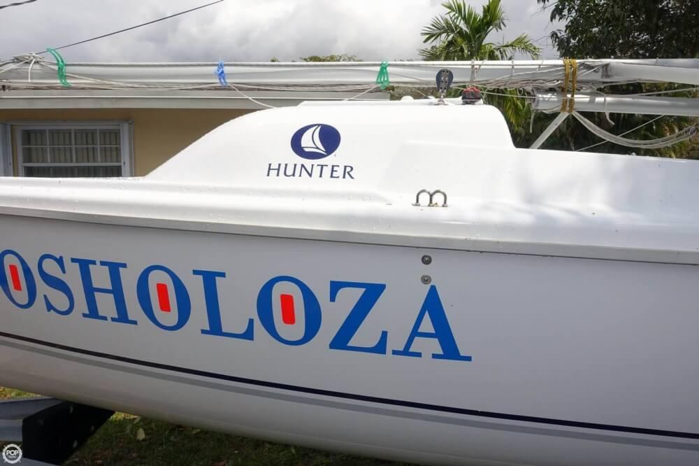 2009 Hunter 216 - Photo #16