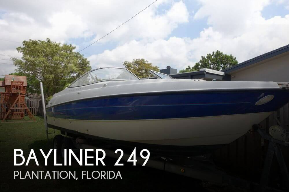 2006 Bayliner 249 - Photo #1
