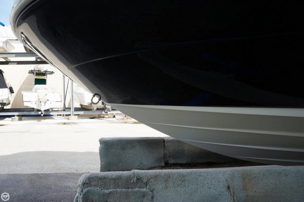 2011 Sea Ray 200 Sundeck - Photo #7