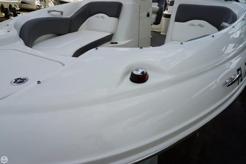 2011 Sea Ray 200 Sundeck - Photo #9