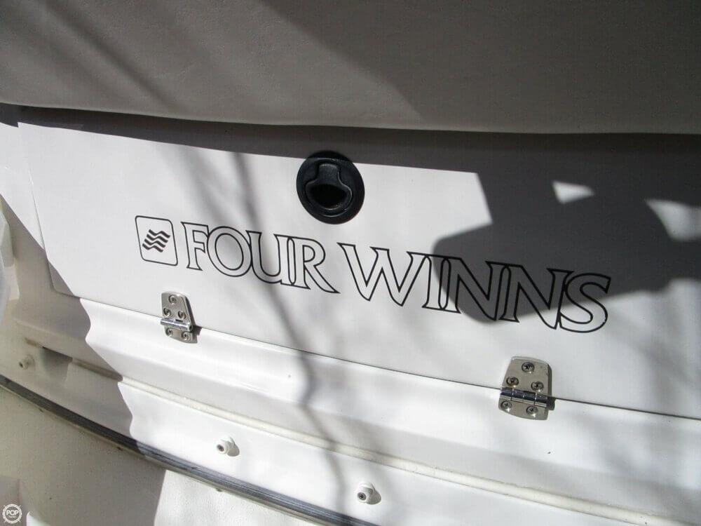 2000 Four Winns 248 Vista - Photo #10
