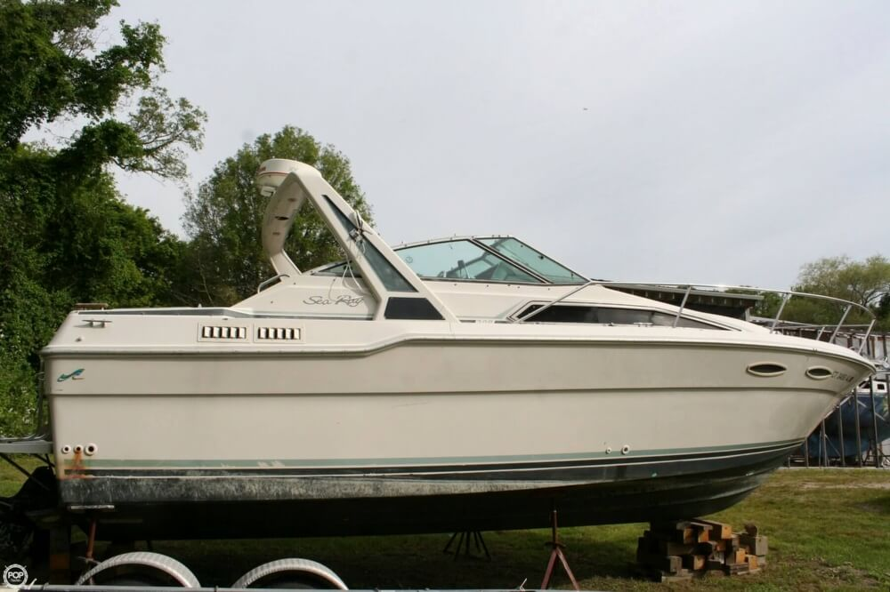 1988 Sea Ray boat for sale, model of the boat is 300 Sundancer & Image # 10 of 40