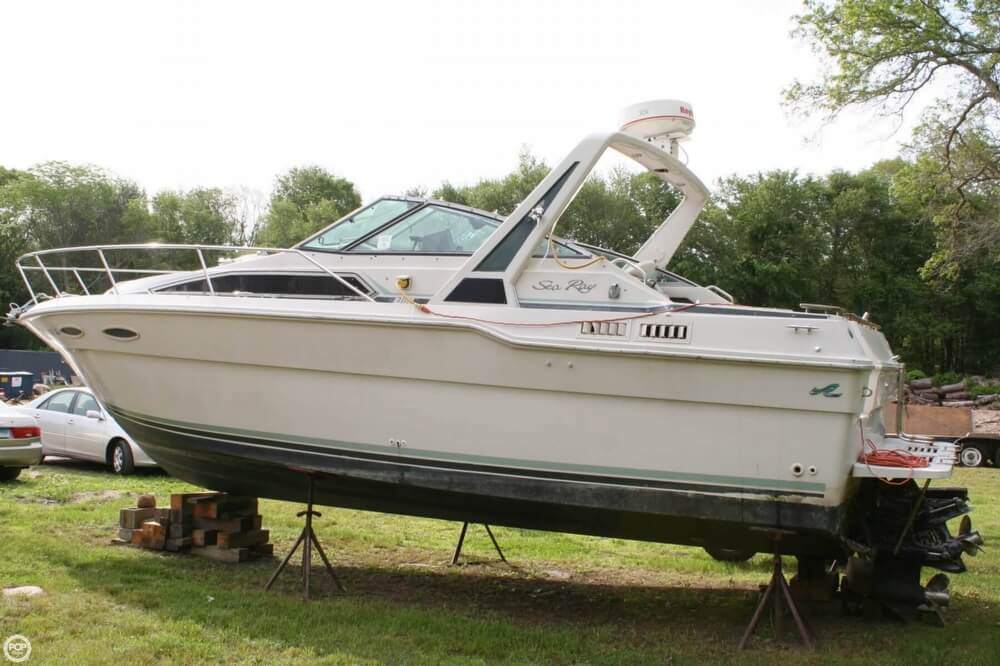 1988 Sea Ray boat for sale, model of the boat is 300 Sundancer & Image # 13 of 40