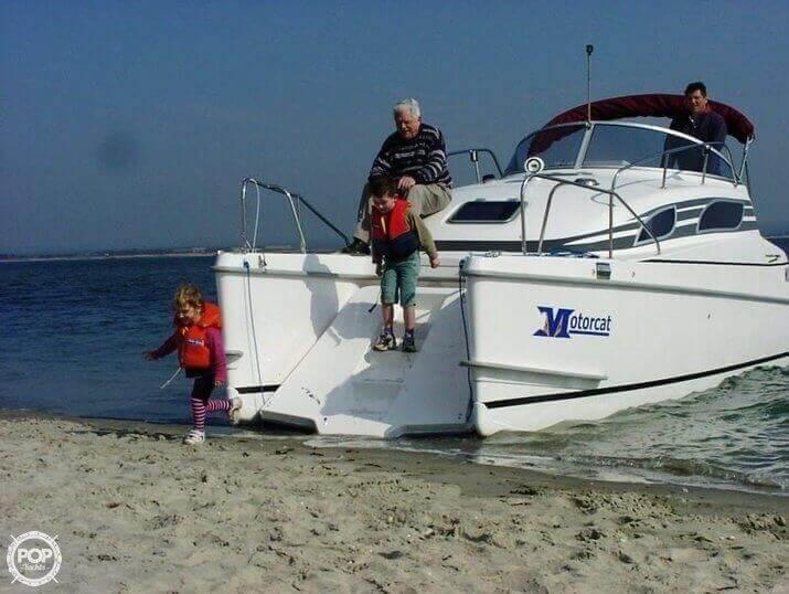 2002 Bond Yachts MC 30 - Photo #2