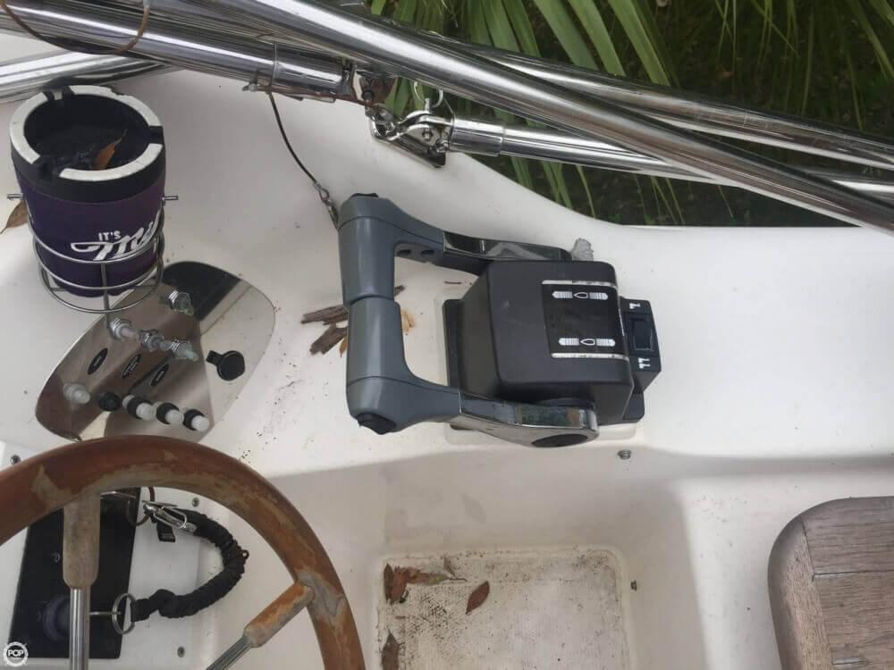 2002 Bond Yachts MC 30 - Photo #38
