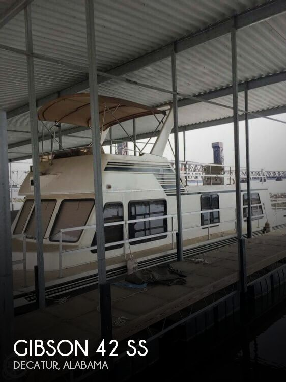 2005 Gibson boat for sale, model of the boat is 42 SS & Image # 1 of 40