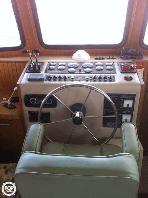 2005 Gibson boat for sale, model of the boat is 42 SS & Image # 4 of 40