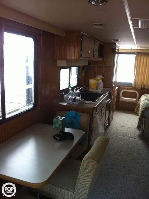 2005 Gibson boat for sale, model of the boat is 42 SS & Image # 5 of 40