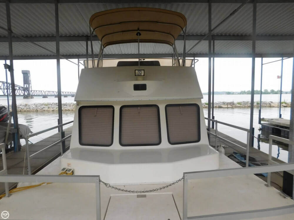 2005 Gibson boat for sale, model of the boat is 42 SS & Image # 14 of 40