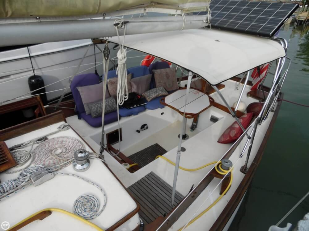 Port Cockpit And Bimini