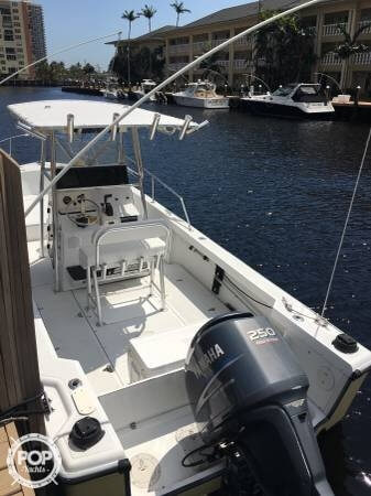 1995 Boston Whaler 24 - Photo #2