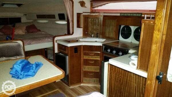 1987 Sea Ray 340 Sundancer - Photo #18