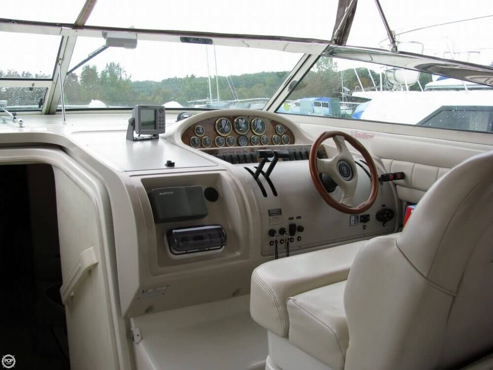 1997 Regal boat for sale, model of the boat is 402 Commodore & Image # 2 of 40