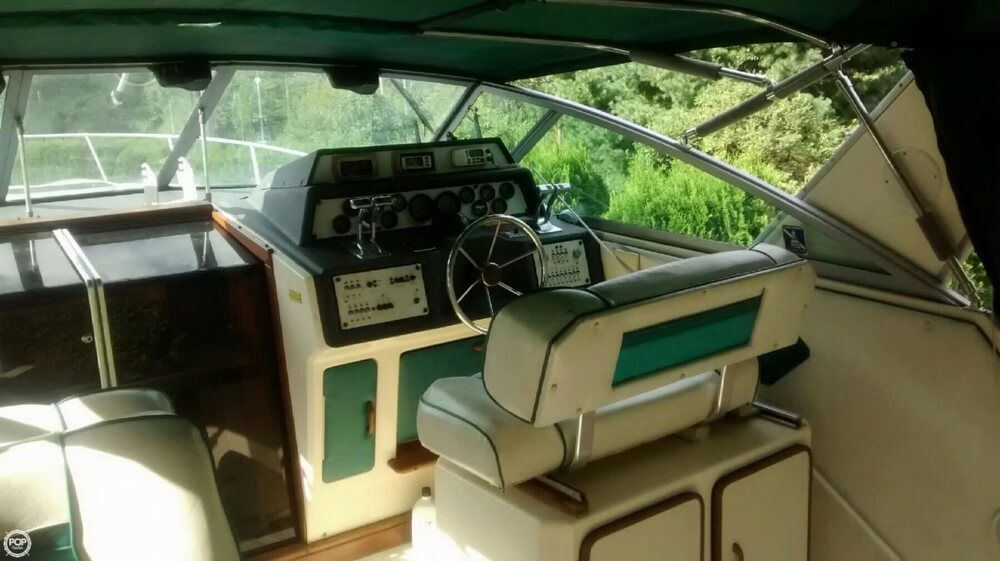 1985 Sea Ray 34 - Photo #4