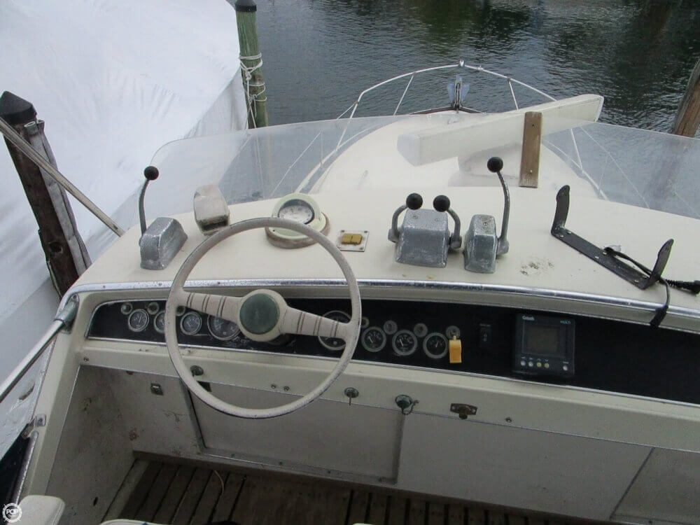 1969 Chris Craft boat for sale, model of the boat is 38 Commander & Image # 5 of 40