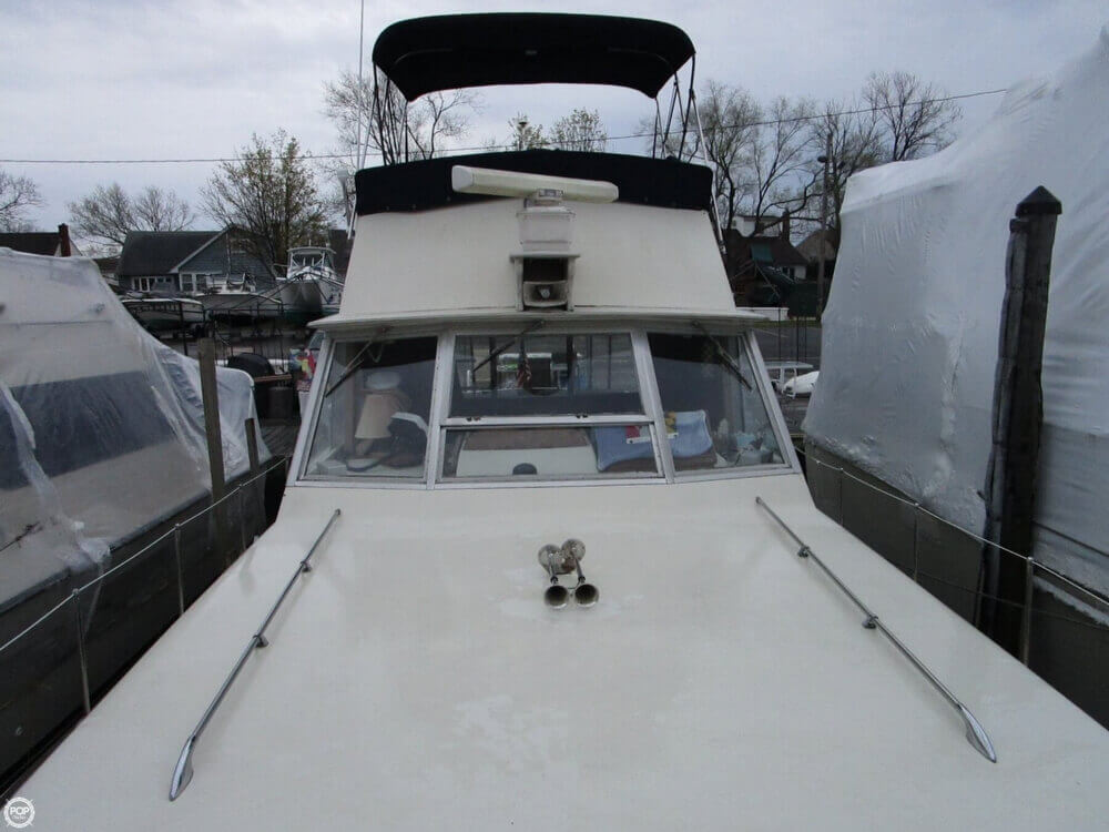 1969 Chris Craft boat for sale, model of the boat is 38 Commander & Image # 33 of 40