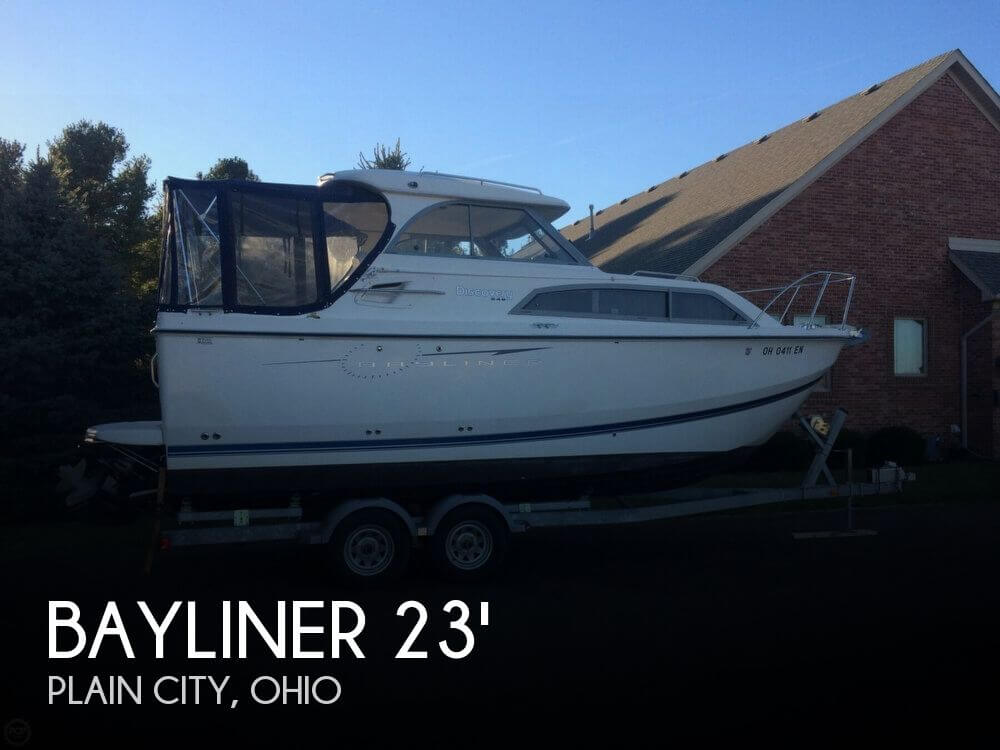 2009 Bayliner 246 Discovery - Photo #1