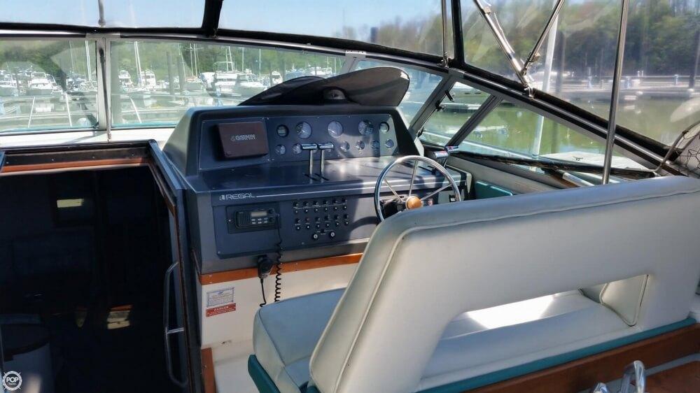 1990 Regal 360 Commodore - Photo #23