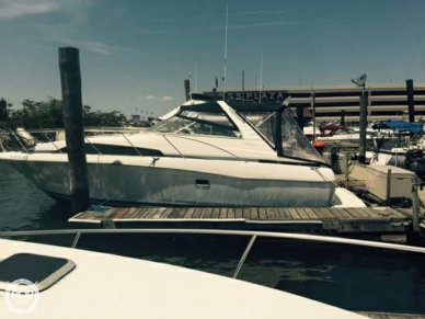 Bayliner Avanti 3255, 32', for sale - $15,000