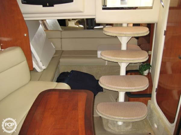 Nice Lounge / Berth For Two Aft