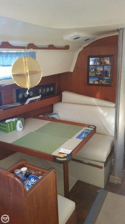 1979 C & C Yachts 30 - Photo #6