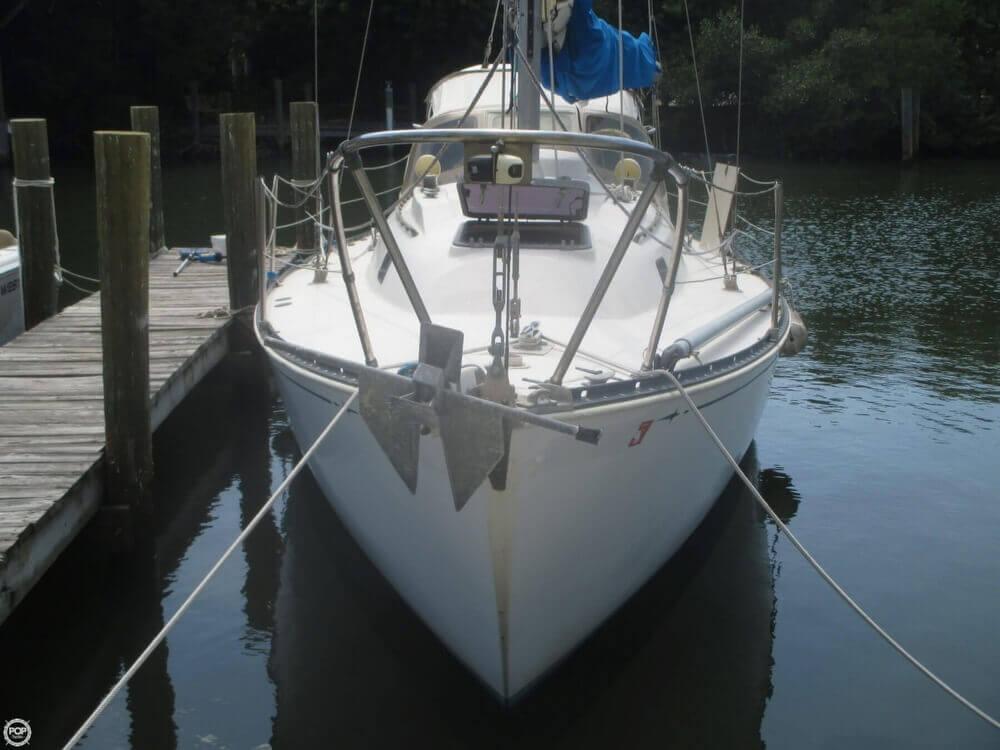 1979 C & C Yachts 30 - Photo #9