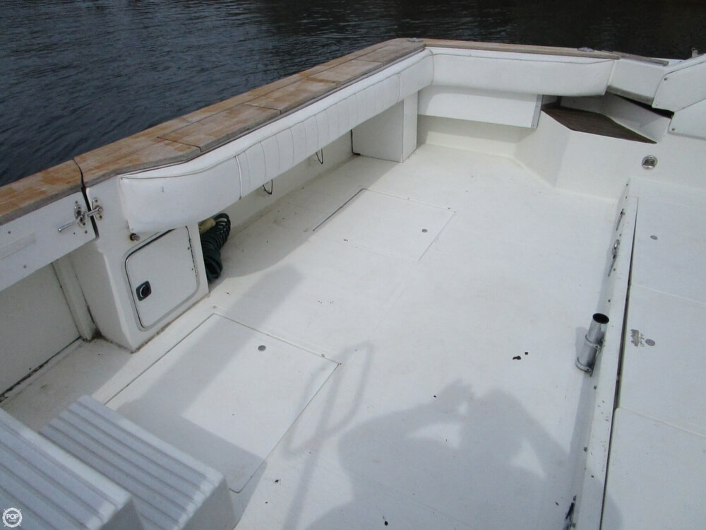 1989 Sea Ray 460 Express Cruiser - Photo #7