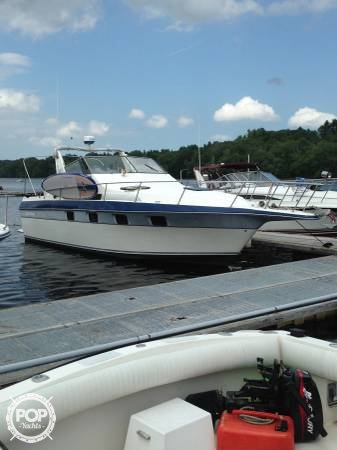 Cruisers 3370 Esprit, 32', for sale - $16,000