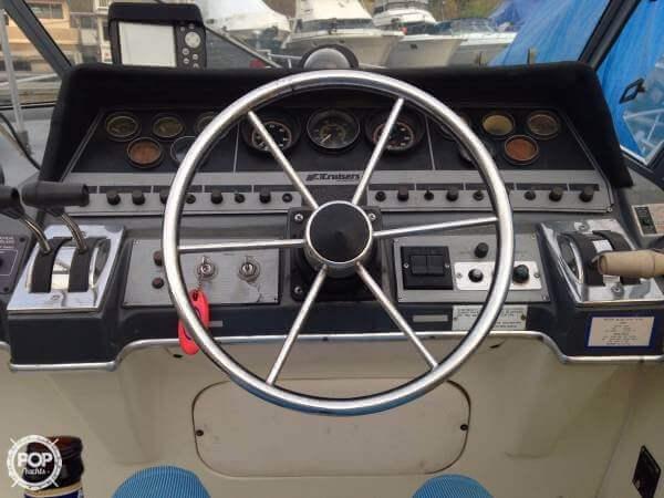 1987 Cruisers 3370 Esprit - Photo #5