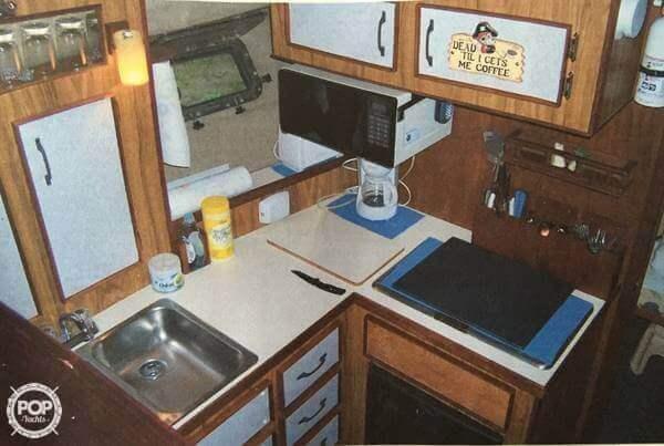 1981 Carver 3007 Aft Cabin - Photo #5