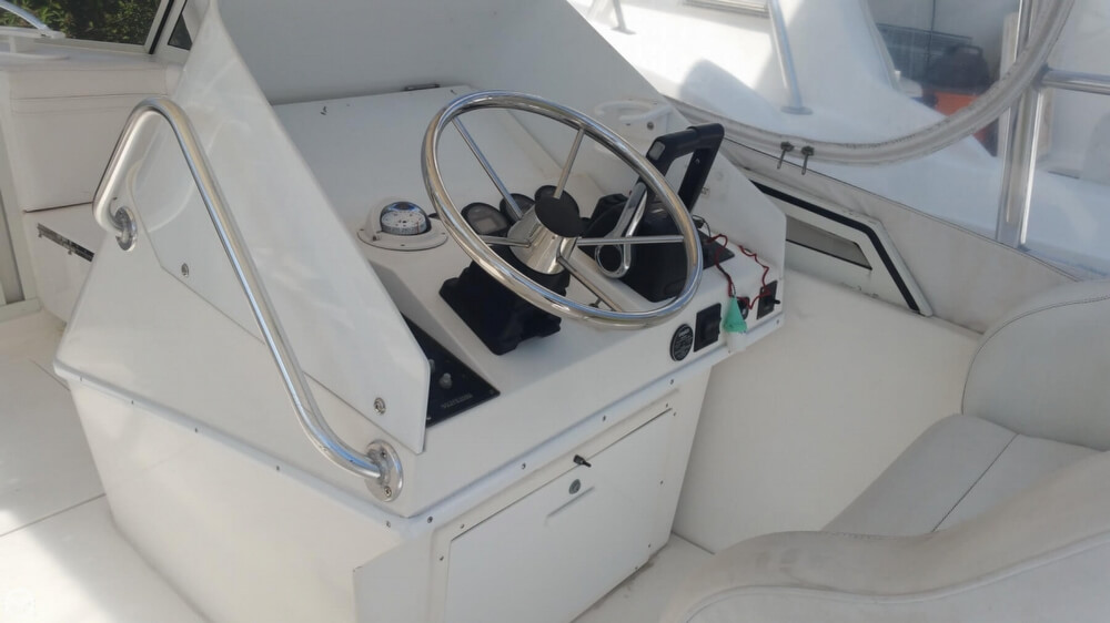 1997 Contender 35 Side Console - Photo #35