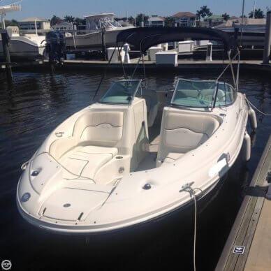 Sea Ray 220 Sundeck, 23', for sale - $19,900