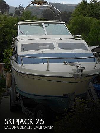 1983 Skipjack boat for sale, model of the boat is 25 Cabin Cruiser & Image # 1 of 40