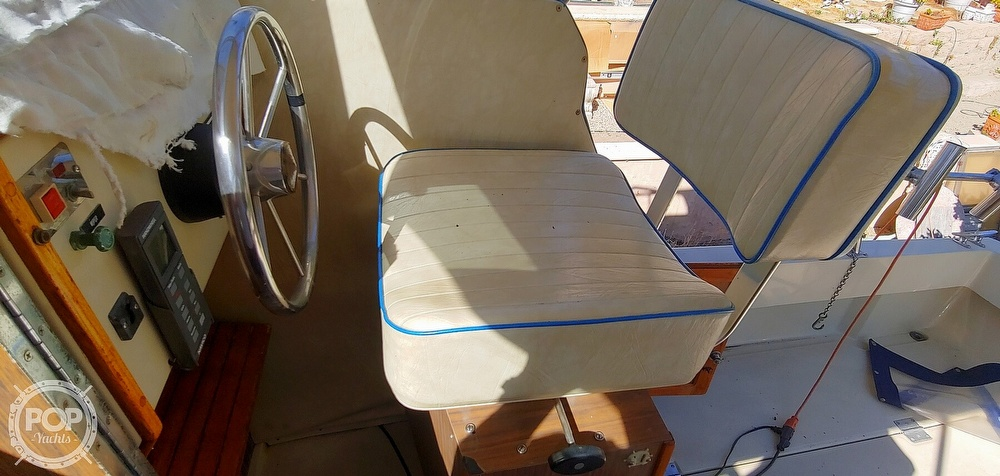 1983 Skipjack boat for sale, model of the boat is 25 Cabin Cruiser & Image # 28 of 40