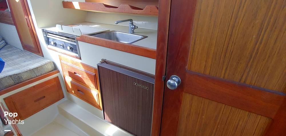 1983 Skipjack boat for sale, model of the boat is 25 Cabin Cruiser & Image # 7 of 40