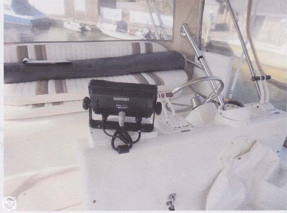 1995 Mainship 31 Sedan Bridge - Photo #10