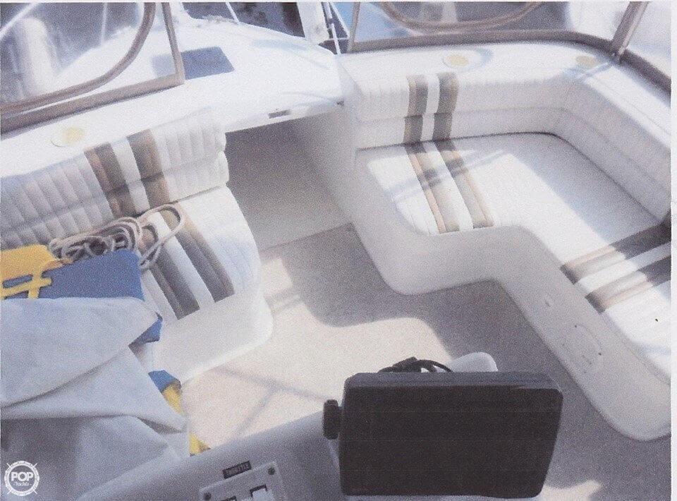 1995 Mainship 31 Sedan Bridge - Photo #11