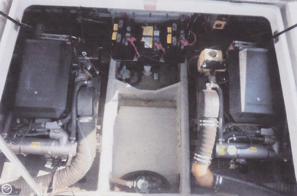 1995 Mainship 31 Sedan Bridge - Photo #17