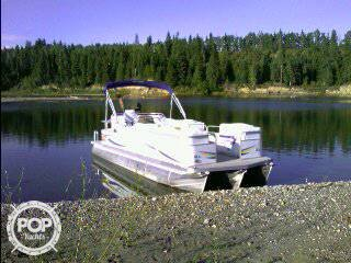 Manitou Oasis 22 SHP, 22', for sale - $32,400
