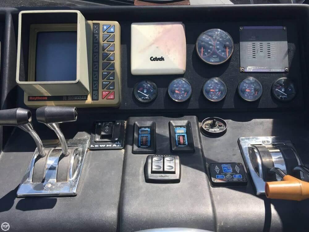 1988 Chris Craft Amerosport 412 - Photo #32