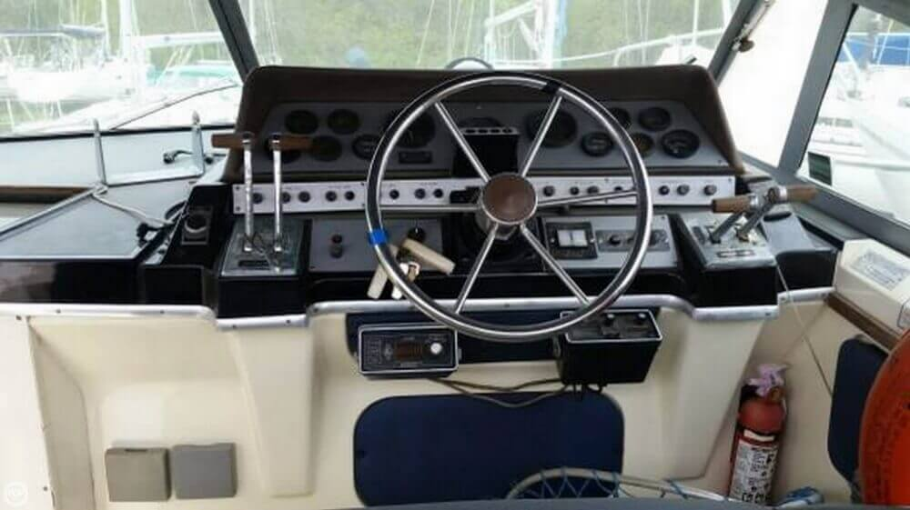 1985 Cruisers 29 - Photo #3