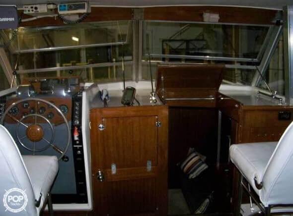 1964 Chris Craft 38 Commander Flybridge Express - Photo #6