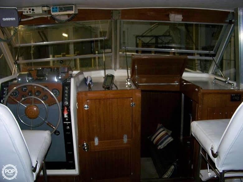 1964 Chris Craft 38 Commander Flybridge Express - Photo #21