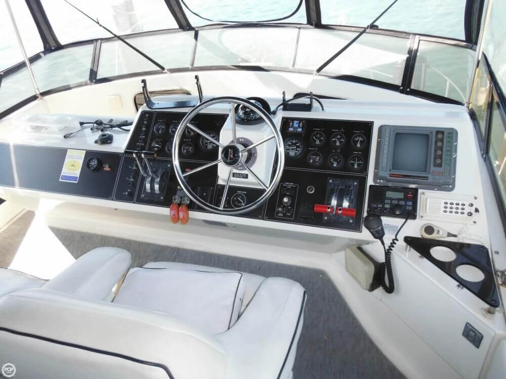 1991 Carver boat for sale, model of the boat is 36 Aft Cabin & Image # 4 of 40