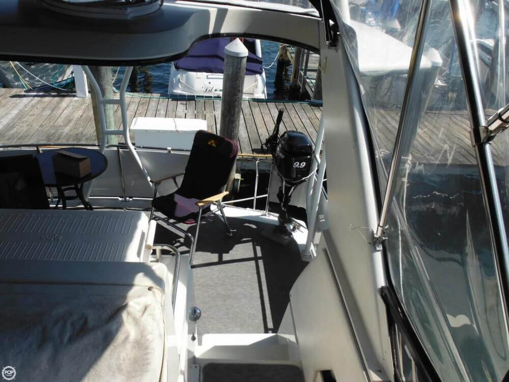1991 Carver boat for sale, model of the boat is 36 Aft Cabin & Image # 7 of 40