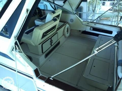 1987 Sea Ray 33 - Photo #2