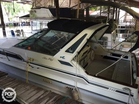 1987 Sea Ray 33 - Photo #3