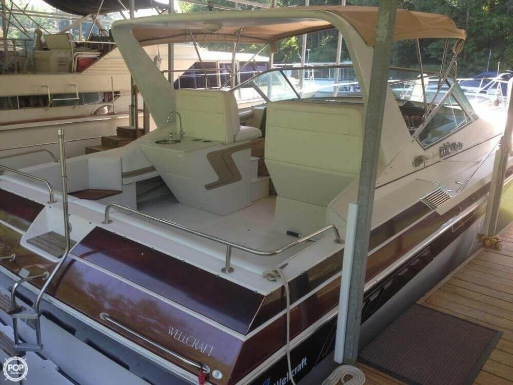 1986 Wellcraft 33 - Photo #17